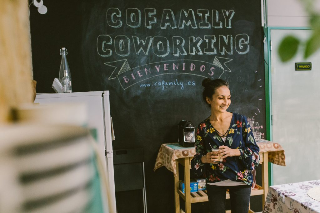 Contacto Pam Cepeda Coworking with kids consultoría